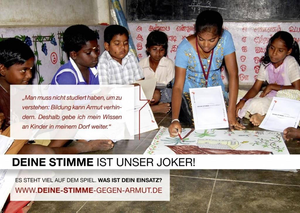 Die indische Studenin Pugalvani gibt nachmittags Förderkurse für Kinder aus ihrem Dorf