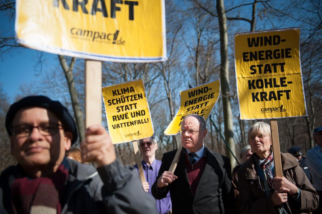 Campact Aktion zur Energiewende im März 2014 (Foto: Ruben Neugebauer/ Campact)